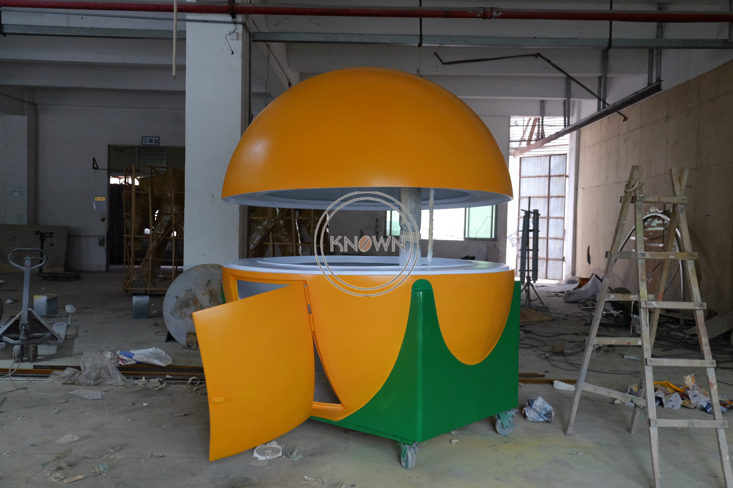 2.2m Fast Food Cart Hot Dog Food Cart Street Fruit Shape Food Cart Orange Food Cart